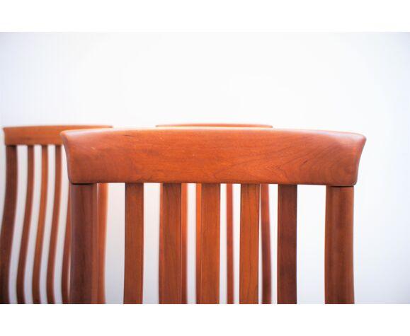 Série de six chaises scandinaves en teck massif