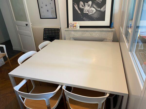 Table design carrée Tense 150 x 150 cm résine acrylique - MDF Italia