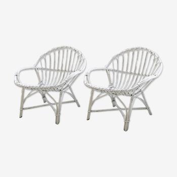 Paire de fauteuils en rotin blancs