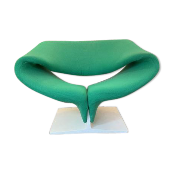 Fauteuil ribbon chair F582 de Pierre Paulin