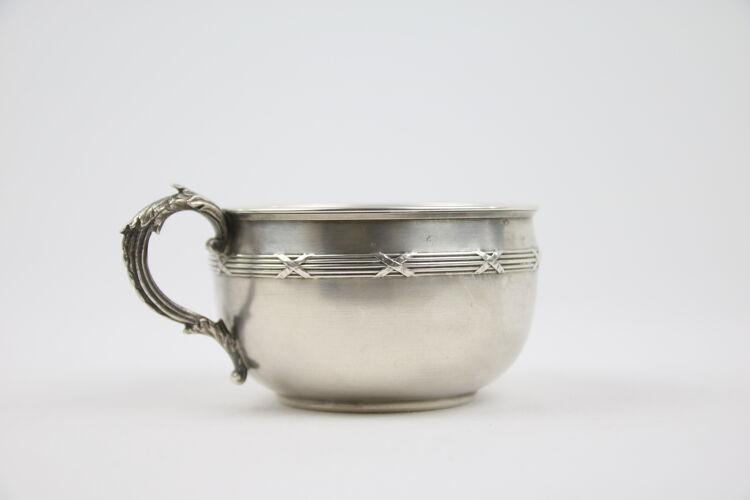 Tasse et sous-tasse modèle rubans en argent