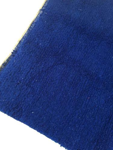 Tapis berbère marocain beni ouarain uni bleu intense 244x158cm