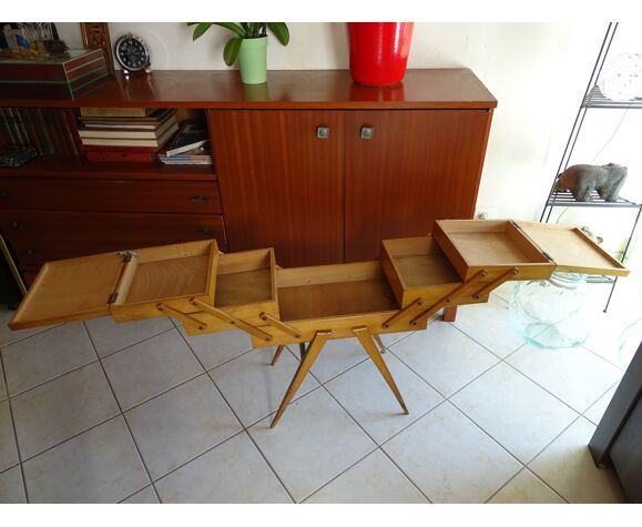 Travailleuse bois 1960 pieds compacts vintage