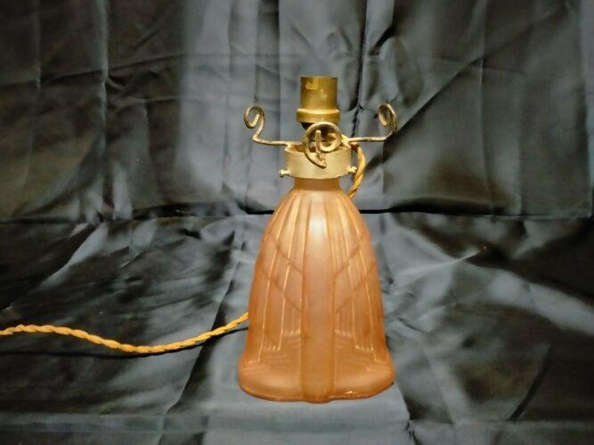 Pied de lampe en verre moulé pressé
