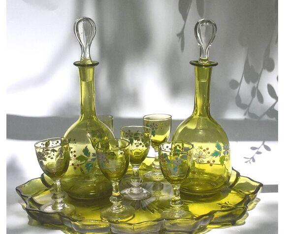 Service à liqueur en verre émaillé
