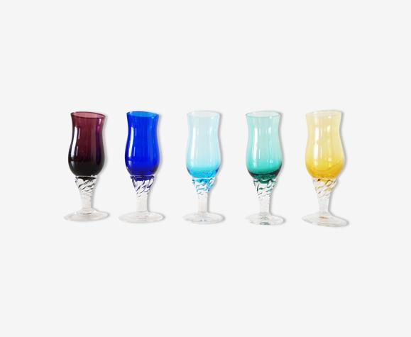 Lot de verres à liqueur colorés vintage