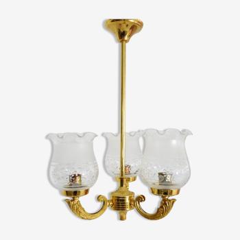 Lustre en métal doré à 3 branches abats jours en verre années 60