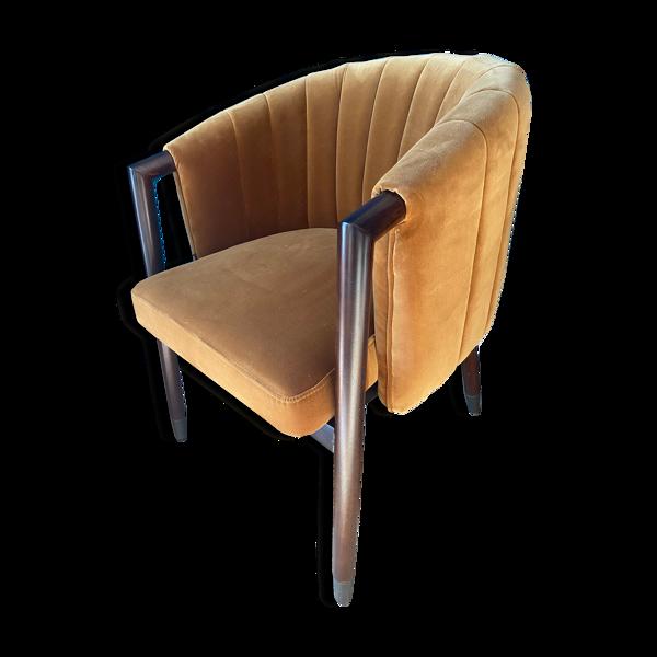 Fauteuil club marron tissu sur pieds en bois