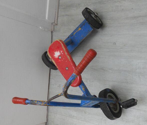Tricycle d'enfant marque Asco vintage