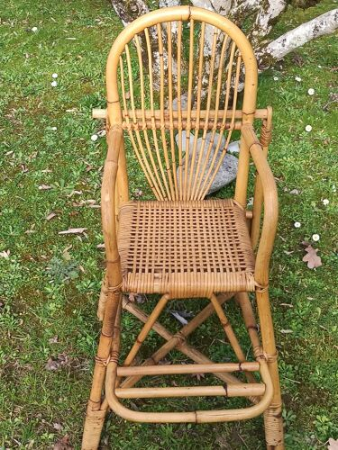 Chaise haute pour enfant en rotin