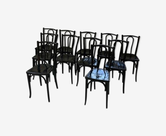 Lot 11 chaises bistrot Baumann noires