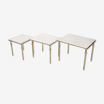 Tables gigognes en marbre et laiton