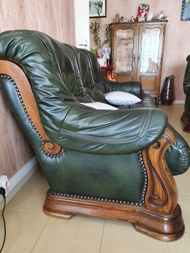 Salon canapé avec fauteuils en cuir