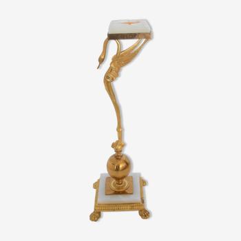 Cendrier néoclassique de cygne de laiton avec la pierre d'Onyx