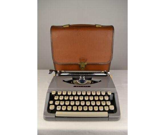 Machine à écrire Brother avec son cartable - 1960s