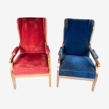Fauteuils rembourré de velours bleu et d'acajou conçu par Frits Henningsen. La chaise est grande v