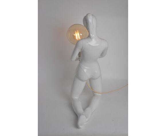 Lampe femme