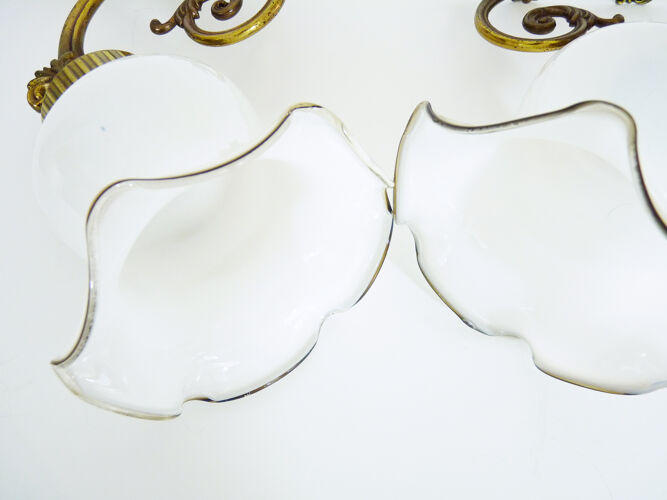 Paire d'appliques murales col de cygne en laiton verre tulipe ancienne blanche, année 60 70