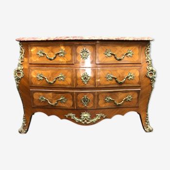 Commode galbée marqueterie bois de rose style Louis XV