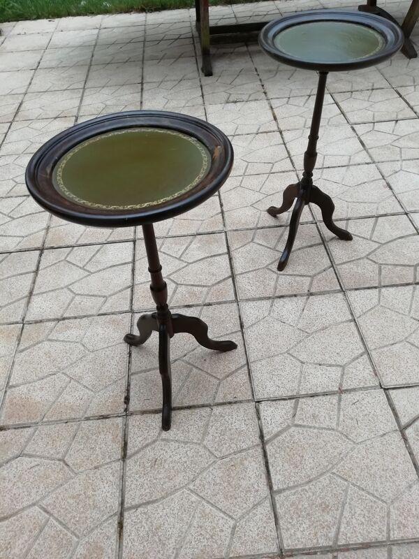 Paire de consoles sellettes 3 pieds travaillés style anglais plateau cuir vert olive