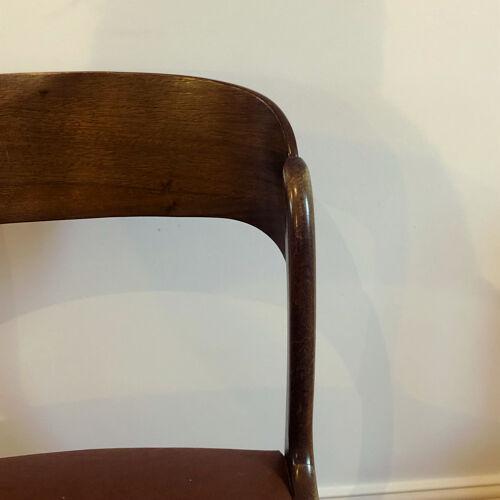Série de 4 chaises traineaux Baumann