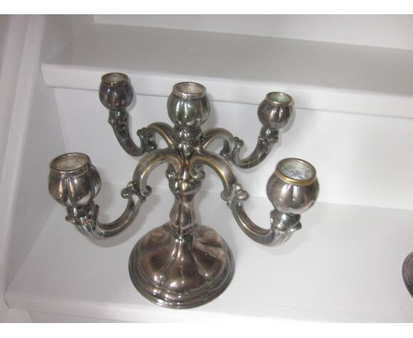 Paire de chandeliers en metal argenté