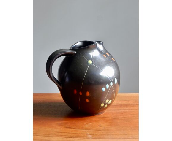 Pichet céramique noire des années 50 / Fait à la main
