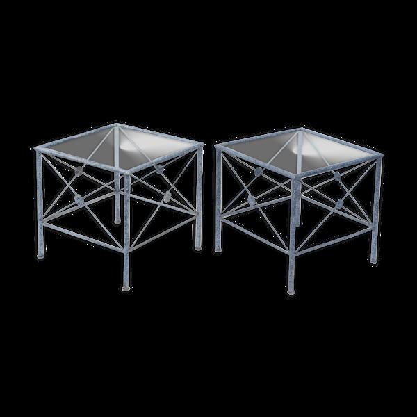 Paire de tables basses en métal