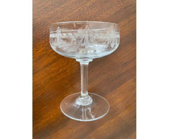 Set de 9 coupes à champagne fin XIXème siècle verre cristalin gravé