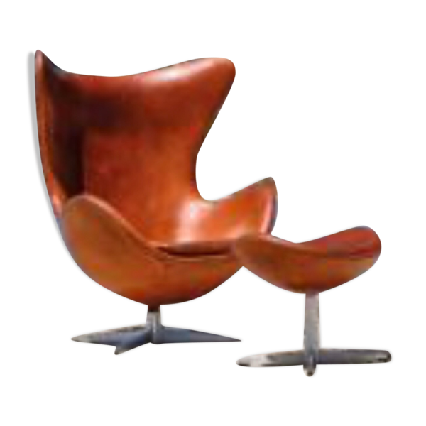 Fauteuil Egg et son ottoman d'Arne Jacobsen pour Firtz Hansen