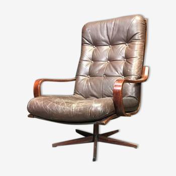 Fauteuil vintage siège simple siège club sur le pied étoilé