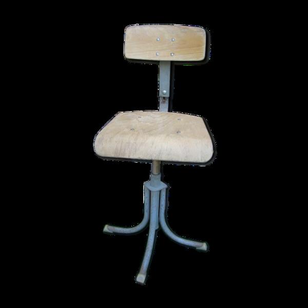 Chaise industrielle Bao ancienne