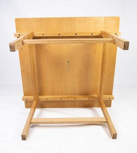 Table basse en chêne conçue par Hans J. Werner et fabriquée par PP Furniture.