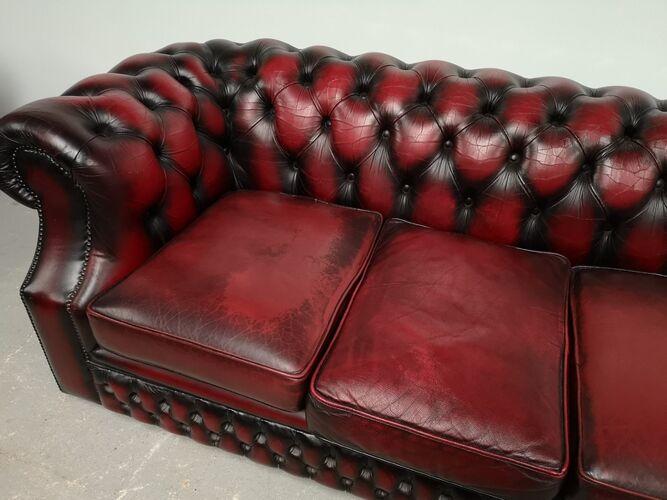 Canapé chesterfield cuir bordeaux quatre places