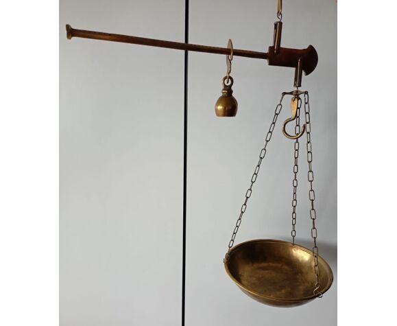 Ancienne balance romaine en laiton