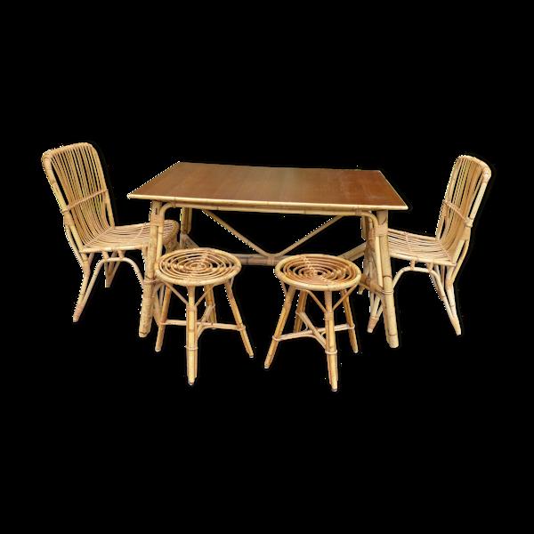 Table de salle à manger rotin avec 2 chaises et 2 tabourets