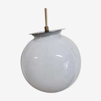 Ancient opaline globe walker
