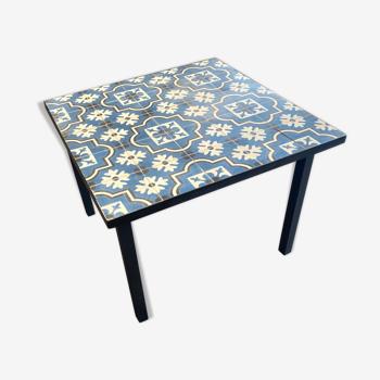 Table en carreaux de ciments artisanal 100x100x76 cm