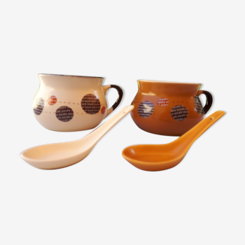 2 soup bowls and spoons
