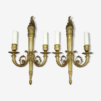 Paire de grandes appliques aux flambeaux, style Louis XVI