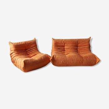 """Canapé et fauteuil 2 places """"Togo"""" modèle dessiné par Michel Ducaroy 1973"""