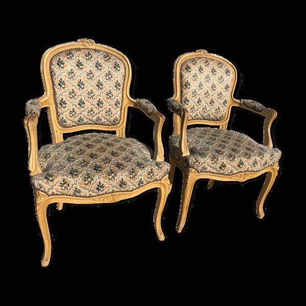 Paire de fauteuils cabriolets de style Louis XV