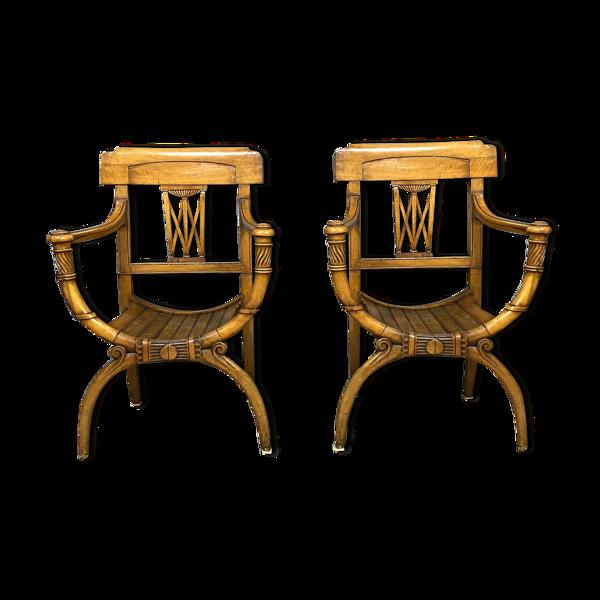 Paire de fauteuils curules Consulat en bois clair vers 1800