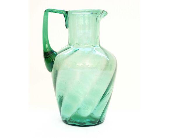 Pichet en verre ancien