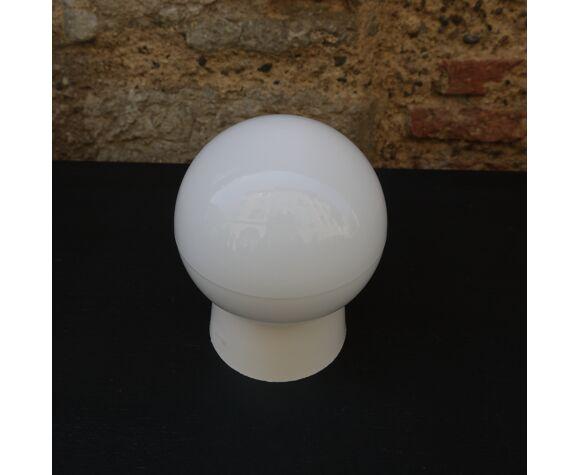 Applique globe blanc