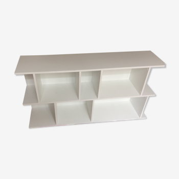 White AMPM shelves very