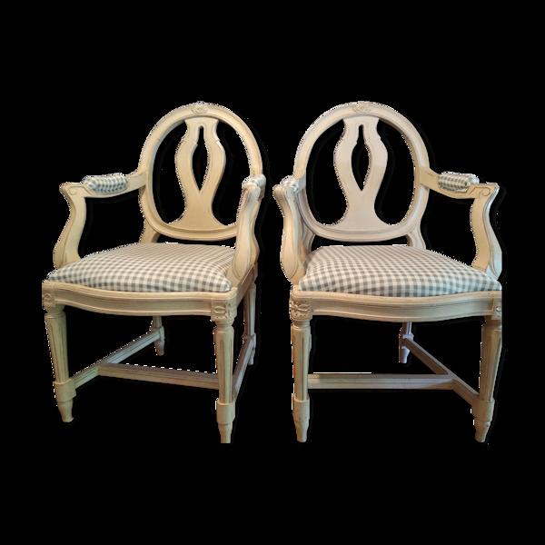 Paire de fauteuils style gustavien suédois