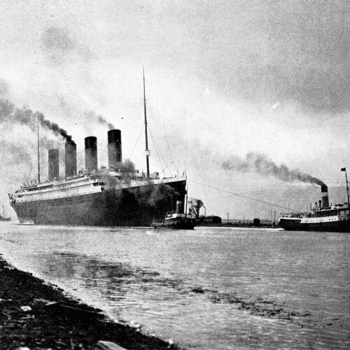 """Photographie,  """"Départ du paquebot Titanic"""", avril 1912   /   N&B   /   15 x 20 cm"""