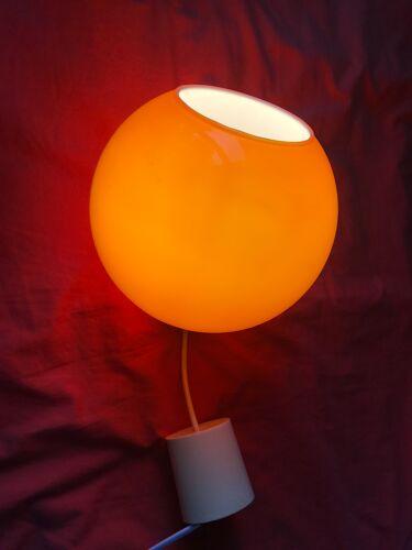 Suspension en verre opaline orange vintage années 60