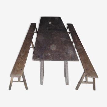 Table plateau rustique à 3 tréteaux et 2 bancs, 4 mètres de long